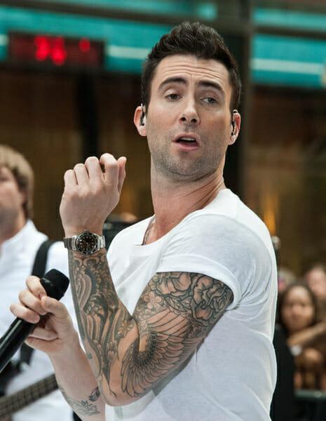Adam Levine Wearing A Rolex Submariner Rubber B