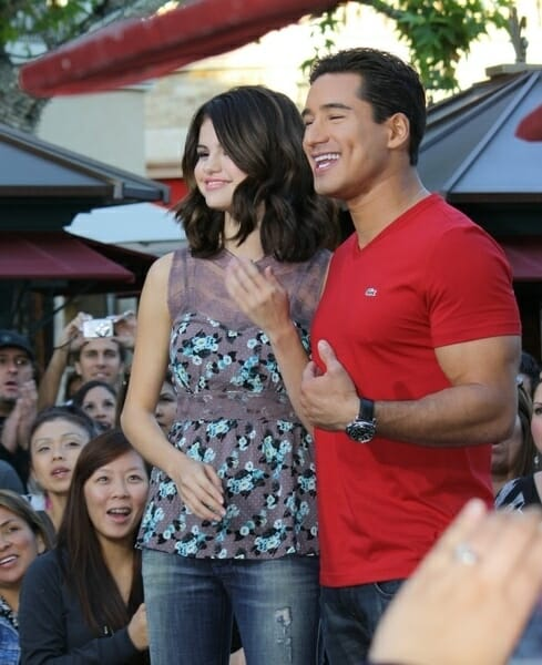 """""""Extra"""" Taping at the Grove in Los Angeles on November 9, 2010"""