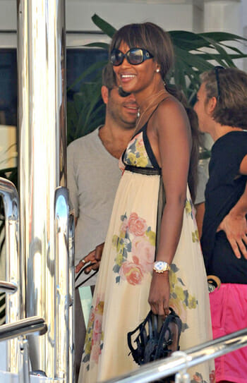 Naomi Campbell Wearing A Rolex Daytona Rubber B