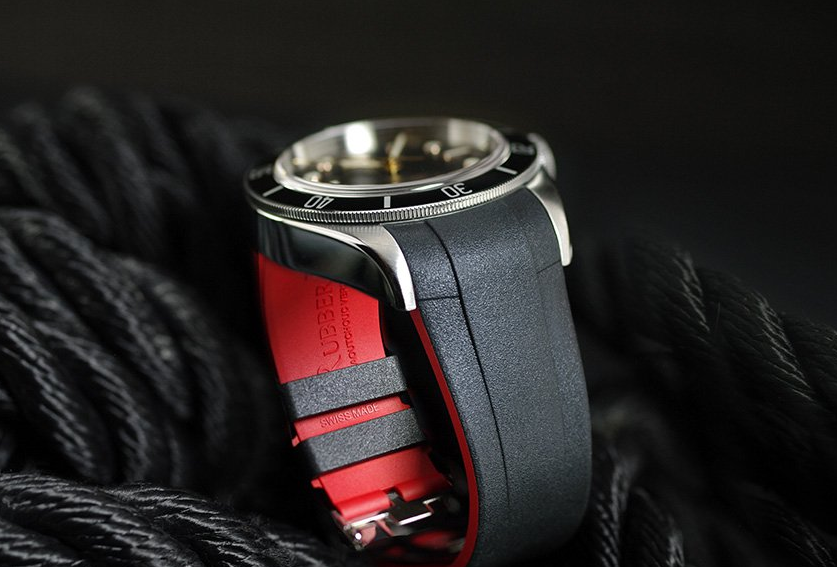 red and black rubber strap for tudor black bay
