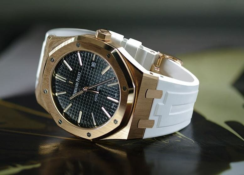 white replacement strap for the audemars piguet royal oak 41mm