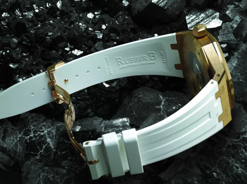 Vulcanized Rubber Watchbands Supporting the Deployant Buckle