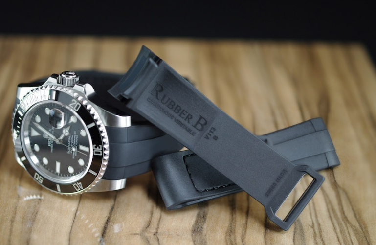 Submariner with Velcro Strap